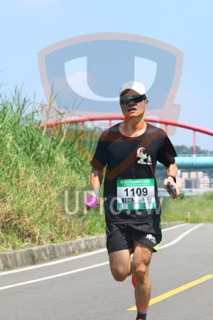 小碧潭公園附近-1():2018momo愛媽咪公益路跑,1109,10K,洖專吉