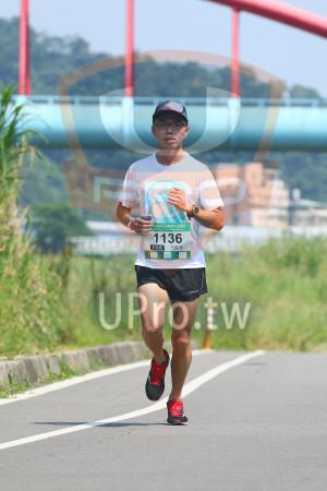 小碧潭公園附近-1():18momoR媽咪公益路跑,136,10K,方廷鈺