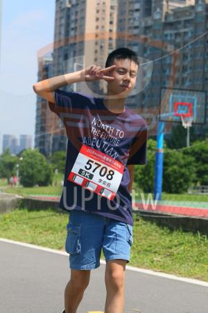 小碧潭公園附近-8():NOnTH TO,THE FUTURE,2018momo愛媽咪公益路跑,5708,5K,李奕辰