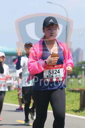 小碧潭公園附近-8():2018mom︼媽咪公益路跑,5824,5K,羅子恩,406