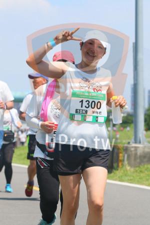小碧潭公園附近-8():2018momo愛媽咪公益路跑,1300,CORS 陳梅君,10K