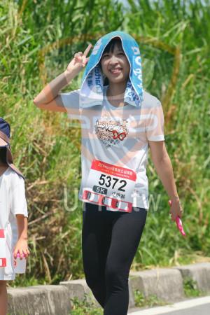 小碧潭公園附近-16():2018momo愛媽咪公益路跑,5372 。,5K,江妍蓁
