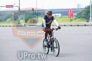 單車項目_折返點附近13(中年人):洪,DE