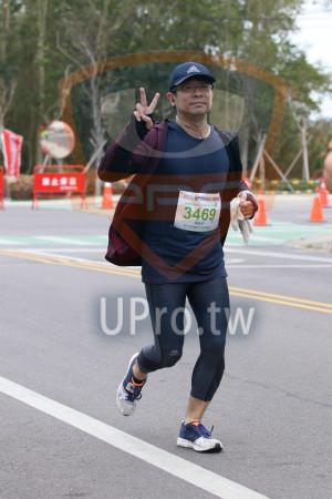 金門馬拉松-終點前500公尺08(MING JYUN WANG):2010金門馬拉松,半程馬拉松21 0975KM,3469,陳敏郎