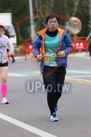 金門馬拉松-終點前500公尺10(MING JYUN WANG):2019金門馬拉松Kuen,半穏馬拉松21·0975KM CI,6232,張莞真,美食兌換