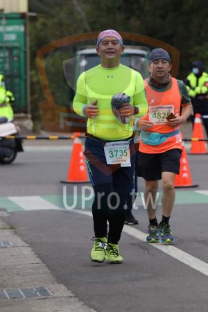 金門馬拉松-終點前500公尺10(MING JYUN WANG):2019金門馬拉松Ktm,482,黃成賢,900金門馬拉松,3735