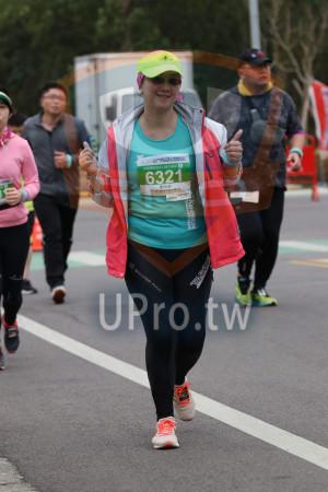 金門馬拉松-終點前500公尺10(MING JYUN WANG):2019金門馬拉松kmeret,半程馬拉松21·0975KM。,6321,劉怡貞