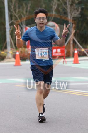金門馬拉松-終點前500公尺14(MING JYUN WANG):2019金門馬拉松,2全程馬拉松42.195KM,1435,羅世穎