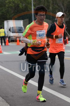 金門馬拉松-終點前500公尺14(MING JYUN WANG):2019金門馬拉松,全程馬拉松42 195KM,845,許福輝,788