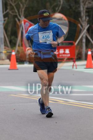 金門馬拉松-終點前500公尺14(MING JYUN WANG):釜門馬拉松,全程馬拉松42 195KM,烈,456,張延穀
