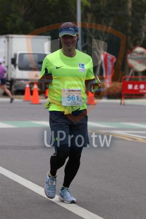 金門馬拉松-終點前500公尺14(MING JYUN WANG):2019金門馬拉松臨,KINN,561,邱彥福