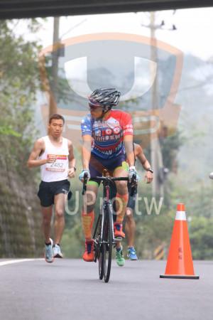 賽道5K處,補給站前01(Ming Jyun Wang):自行車系列,VAN,482