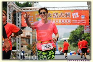 大桔大利峨眉鄉半程馬拉松 起終點處 (2)(ssu ying Chiou):桔大利!,OOL,2600